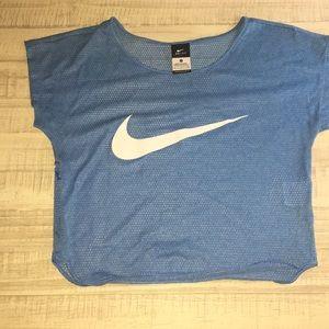 Cropped Nike top
